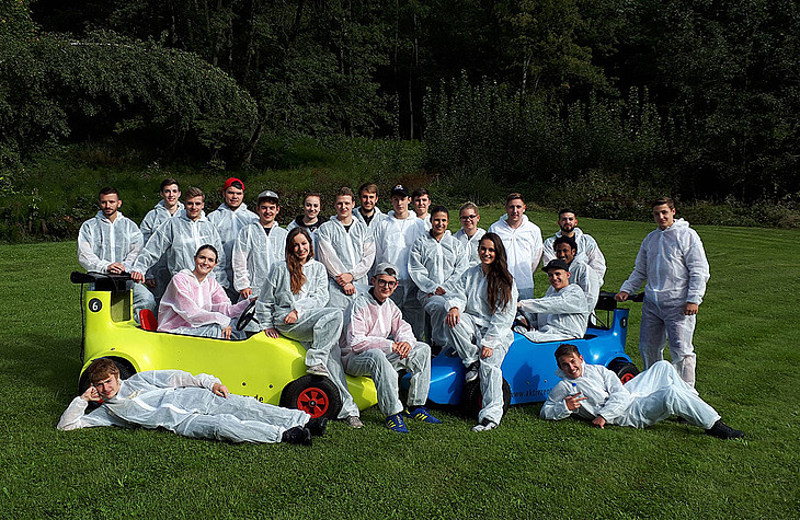 Trainees of rose plastic AG spent a weekend in an alpine-cabin.